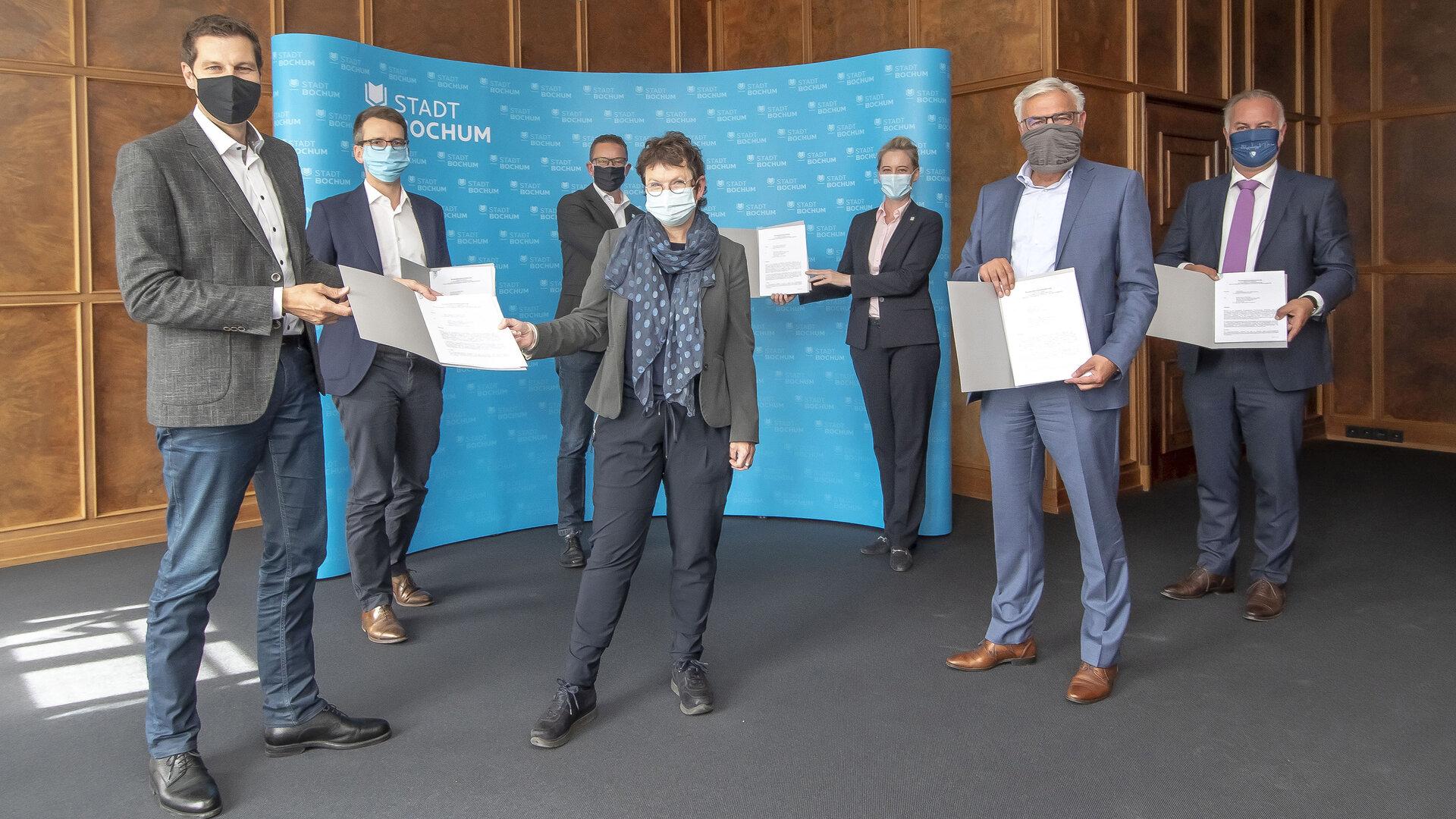 Vertragsunterzeichnung zwischen der Stadt Bochum und Bochumer Wohnungsgesellschaften am 28. August 2020