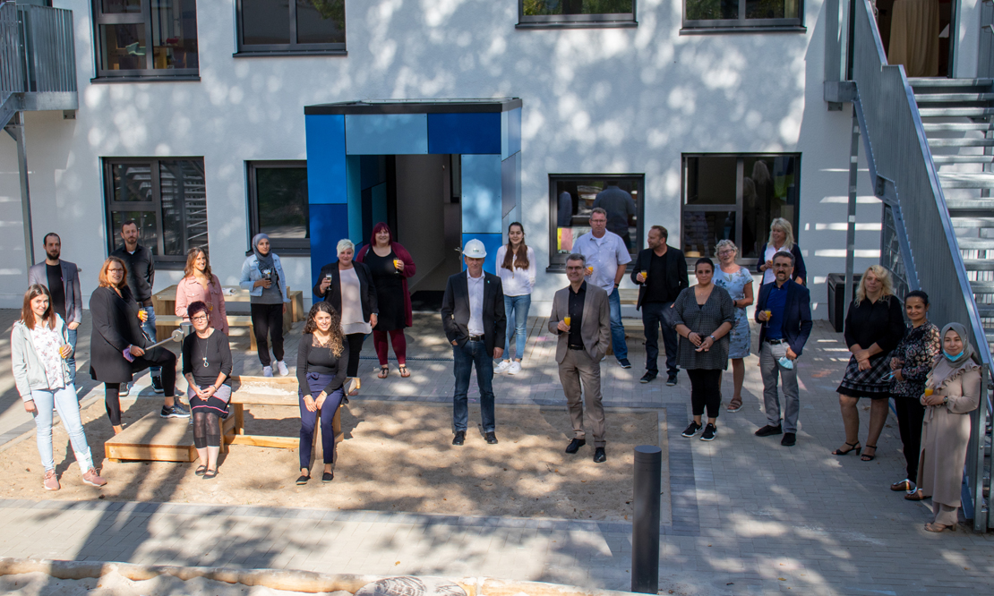 Mit gebührendem Abstand haben alle Beteiligten die offizielle Eröffnung der KiTa in der Diemelstraße gefeiert